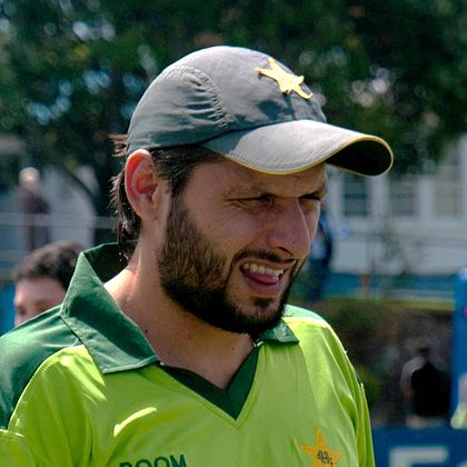 Shahid Afridi S New Haircut Updated March 2021